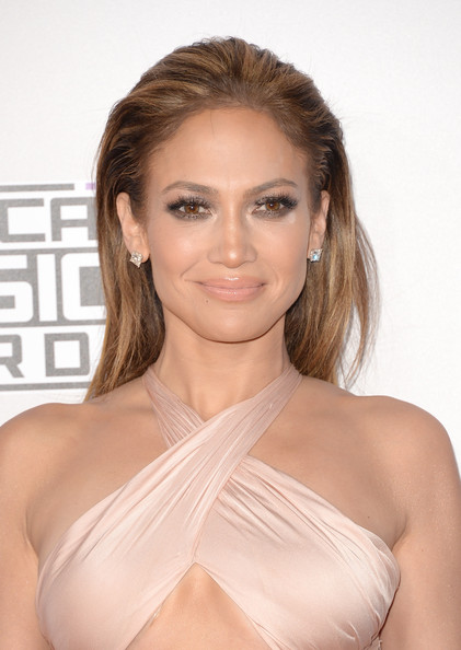 Jennifer+Lopez+Makeup+Nude+Lipstick