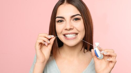 Personal hygiene habits flossing before brushing